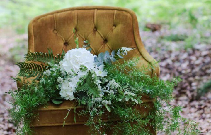 bouquet-de-saison-cascade-feuillage-blanc