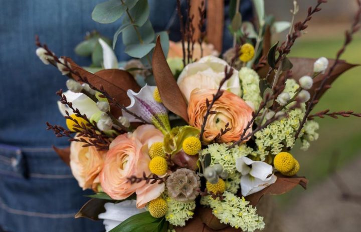 bouquet-saison-marron-orange-presentation-marylene-louis