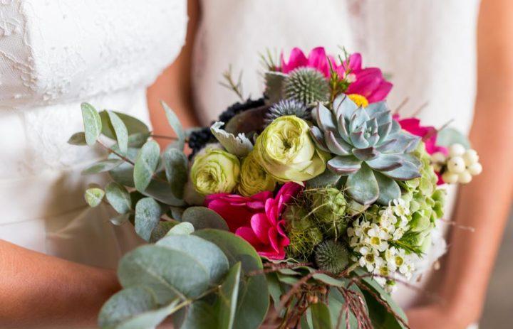 12-bouquet-mariee-succulente-festival-alternatif-mariage-tulle