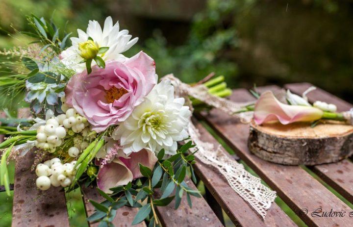 bouquet-mariee-boutonniere-marie-rose-pale-blanc