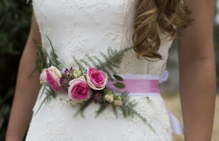 ceinture-roses-fougeres-mariee-fleuriste-marylene-louis
