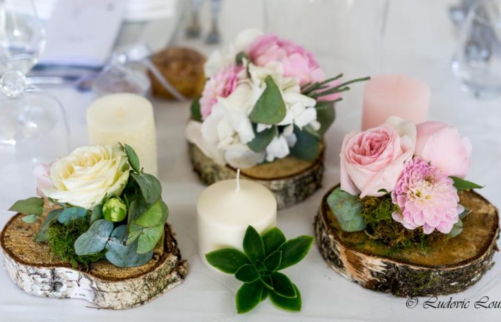 decoration-table-fleurie-mariage-romantique-roses-blanches-roses
