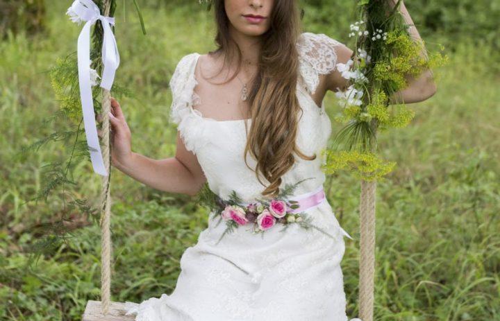 inspiration-mariage-foret-balancoire-fleurie-romantique
