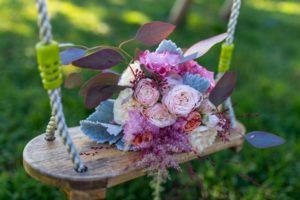 Bouquet de saison rose, bleu et blanc