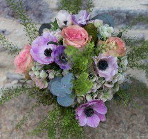 Bouquet de saison violet, rose et blanc