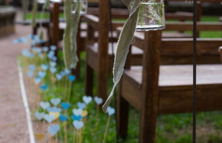 4-decoration-florale-allee-ceremonie-laique-cloitre-tulle