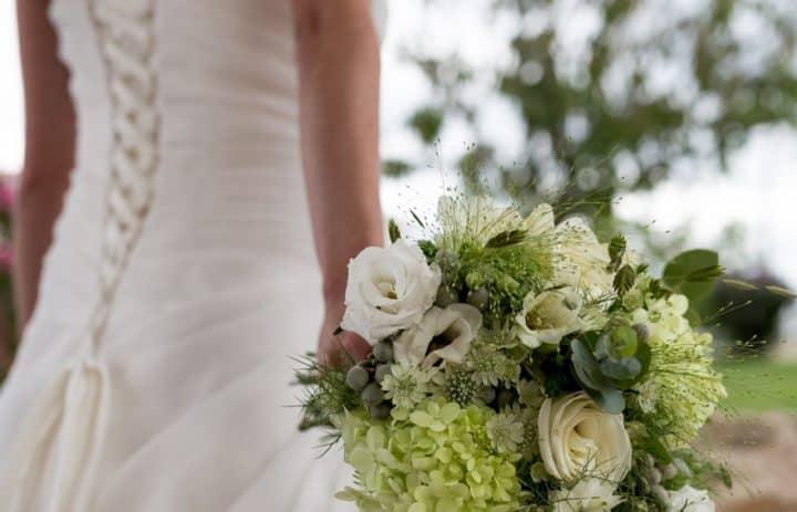 bouquet-mariée-banc-vert