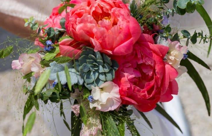 bouquet-mariee-pivoine-succulente