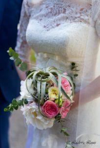 Un bouquet de mariée romantique rose et blanc