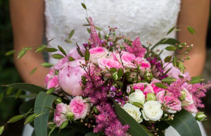 bouquet-mariee-rose-blanche-pivoine-rose