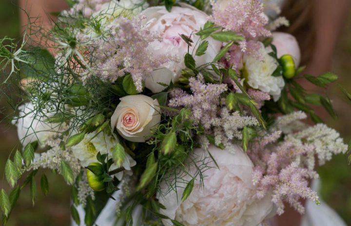 bouquet-mariee-rose-pivoine