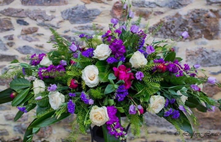 composition-florale-souvenir-violet-blanc-fleuriste-createur