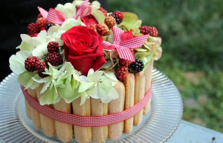 composition-rouge-art-floral-atelier-marylene-louis-tulle