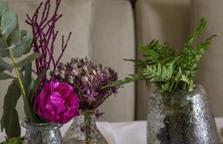 decoration-mariage-chateau-correze-pivoines-fougere-violet