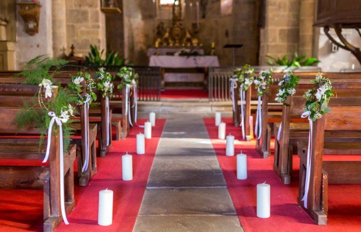 decoration-mariage-eglise-couronnes-lierre