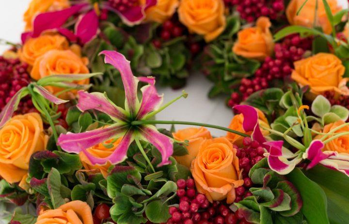 detail-centre-table-mariage-couronne-fleurs-fruits