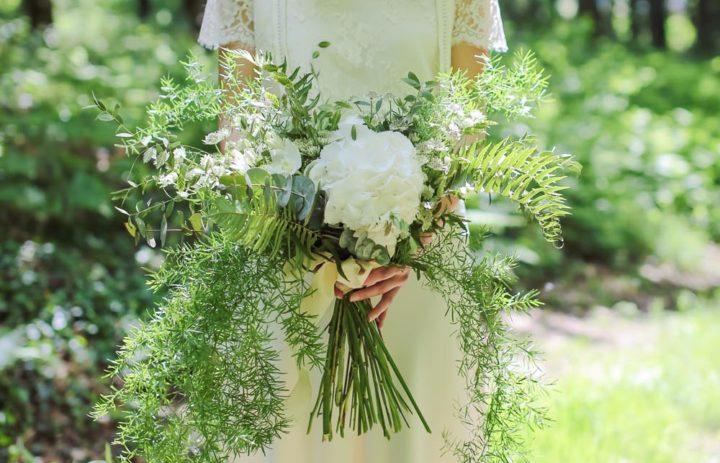 mariee-foret-couronne-grand-bouquet-blanc-vert